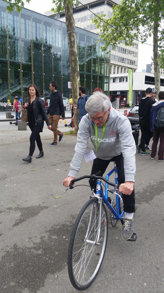 L'essai d'un vélo très particulier à charnière