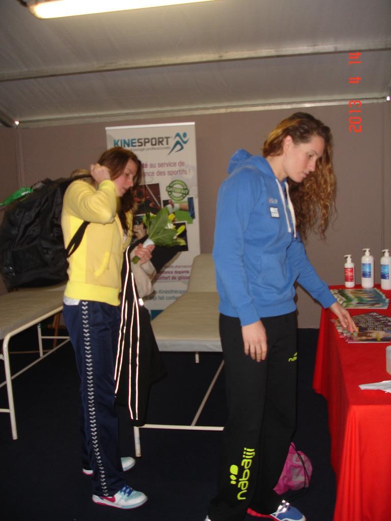 Camille Muffat et Charlotte Bonnet à l'AKSO