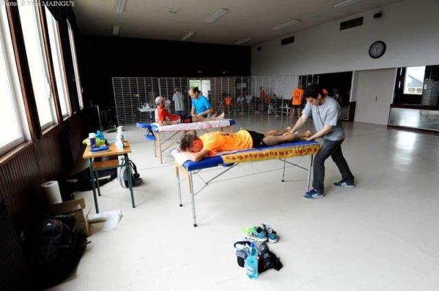 Les kinés de l'AKSO ont du faire face à une demande importante de la part des coureurs