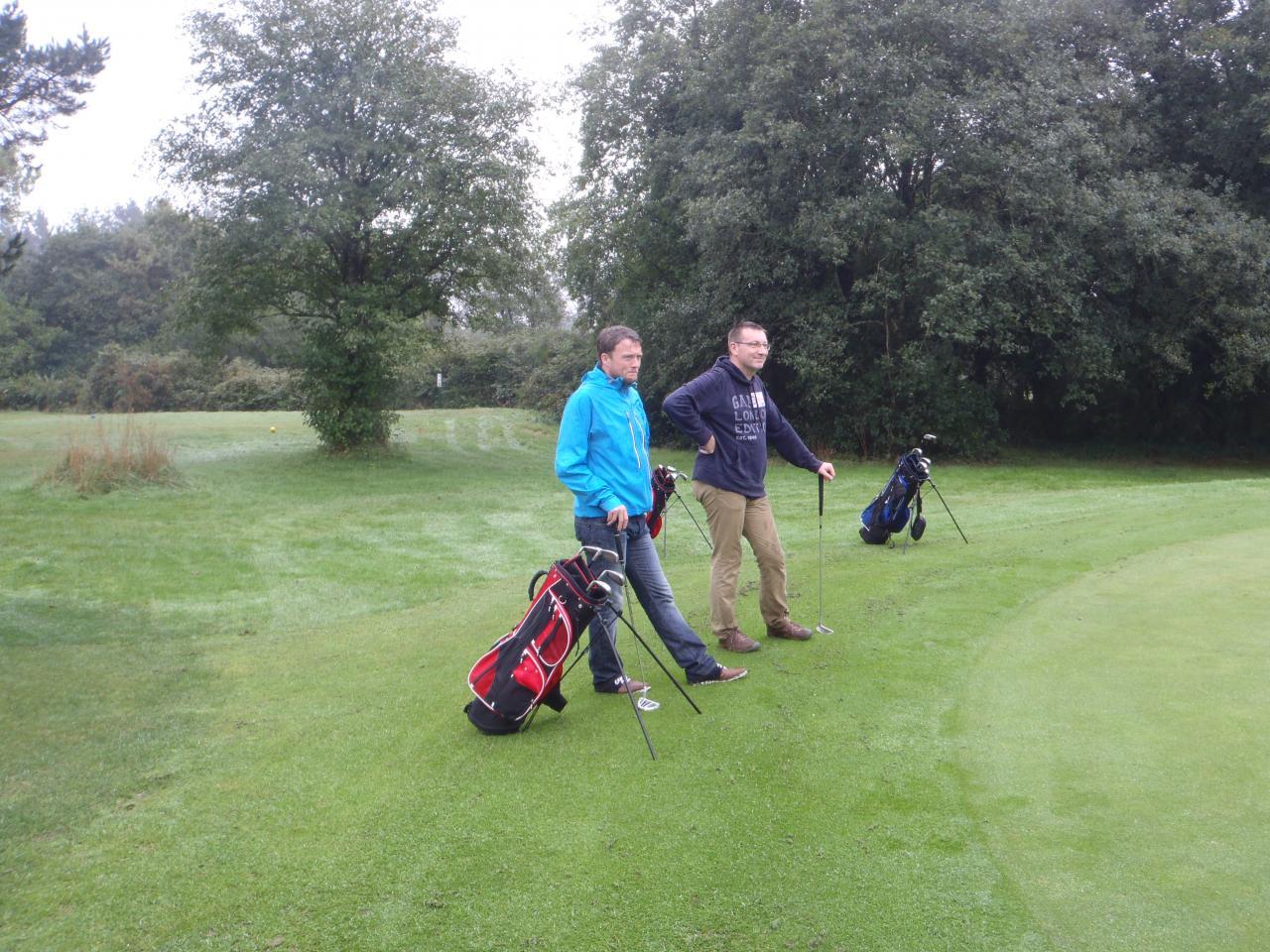 Deux golfeurs qui ont su atteindre le green sans faute !